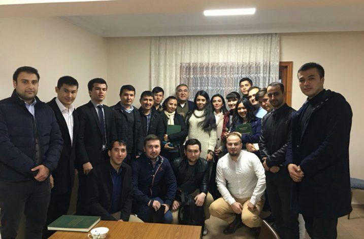 Özbekistan'ın Ankara Büyükelçisi Türkiye'de Öğrenim Gören Özbekistan'lı Öğrencileri Kabul Etti