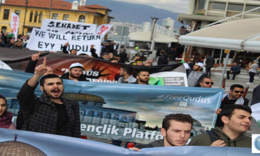 """İzmir'de """"Kudüs Yürüyüşü"""""""
