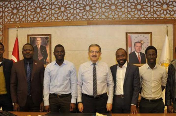 Afrika'lı Öğrencilerden Selçuk Üniversitesi Rektörlüğüne Ziyaret