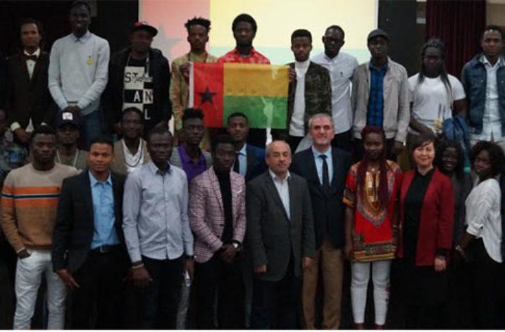 Gine-Bissau'lu Öğrenciler İzmir'de Bir Araya Geldi