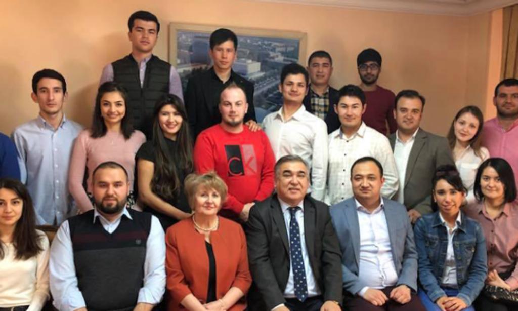 Özbekistanlı Öğrenciler Ankara Büyükelçiliğinde Bir Araya geldi