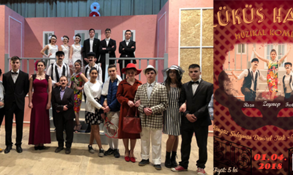 Kongaz'da Türkçe Tiyatro Gösterisi Yapıldı