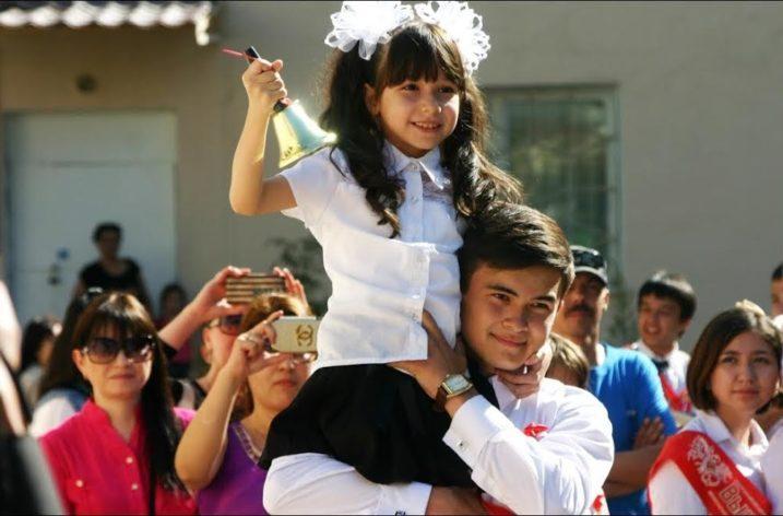 Özbekistan Okullarında 'Son Zil' Yerine Yeni Düzenlemeler