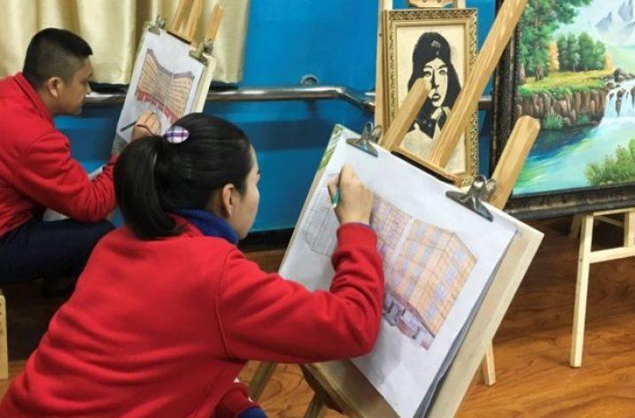 Çin sözde eğitim kamplarını basına açtı!