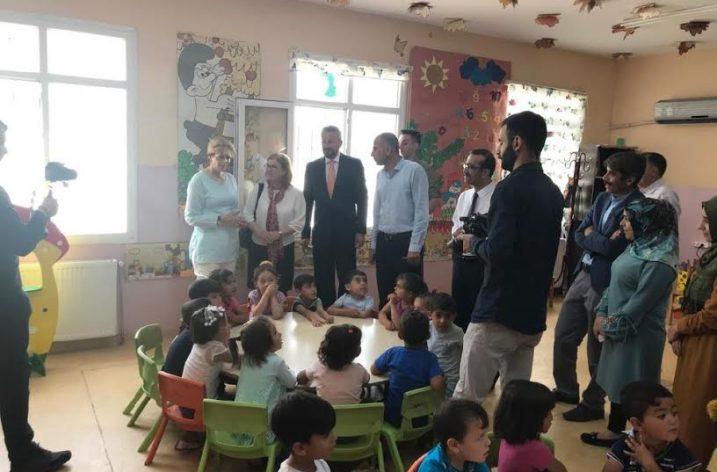 Romanya Prensesi Maria Türkiye'deki Suriyelileri ziyaret etti