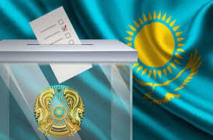 Kazakistan'da halk sandığa gitti