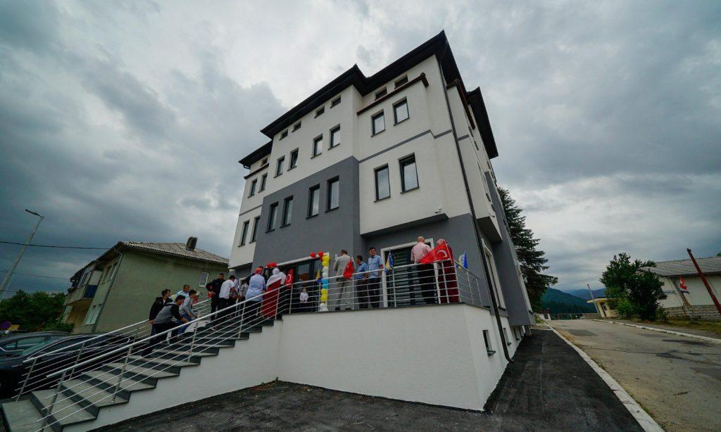 TDBB'nin destekleriyle Bosna Hersek Glamoc'ta Eğitim ve Kültür Merkezi açıldı