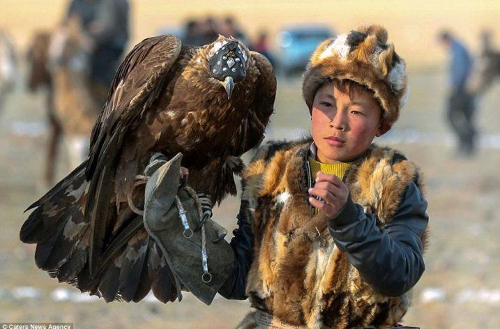 Moğolistan'da Göçebe Kazaklar