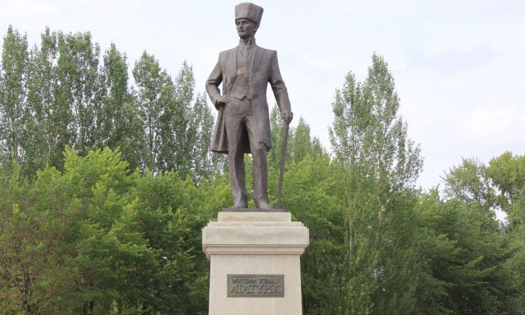 Astana'daki Atatürk Anıtı'na 10 yıl