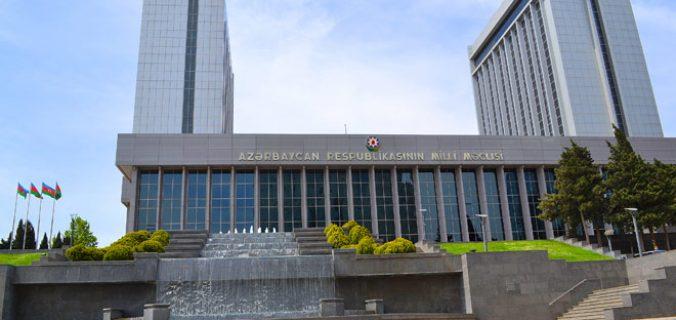 Azerbaycan meclisi, fesih için Cumhurbaşkanı Aliyev'e başvuracak