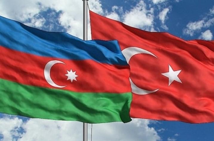 Türkiye-Azerbaycan vizesiz seyahat süresini 90 gün oldu
