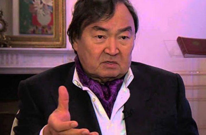 """Kazak Şair Suleymenov: """"Minsk Grubu Görevini Yapmadı"""""""